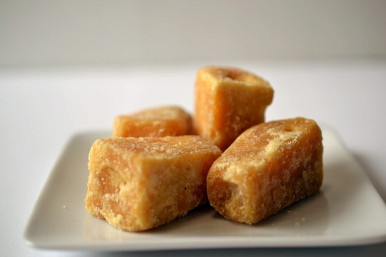 cube jaggery brown 1